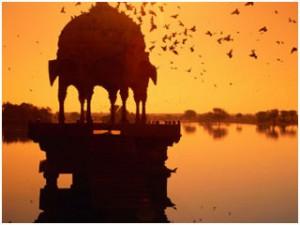 Lake-Feteh-Sager-Udaipur-India